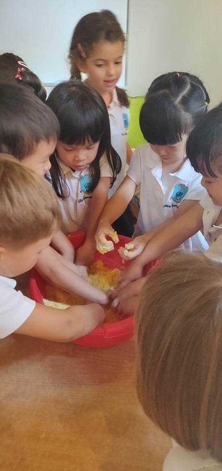Reception Class Trying To Make Play Dough With Corn Meal. Didn't Work.